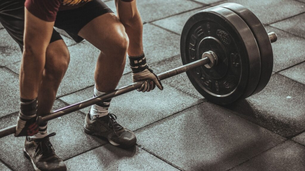 standard vs. olympic barbell differences